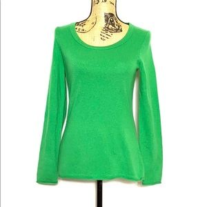 C. Cashmere Green Long Sleeve Scoop Neck Sweater
